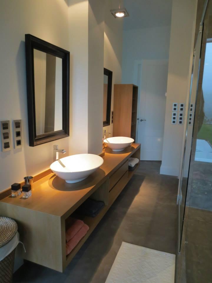 baño dos lavabos