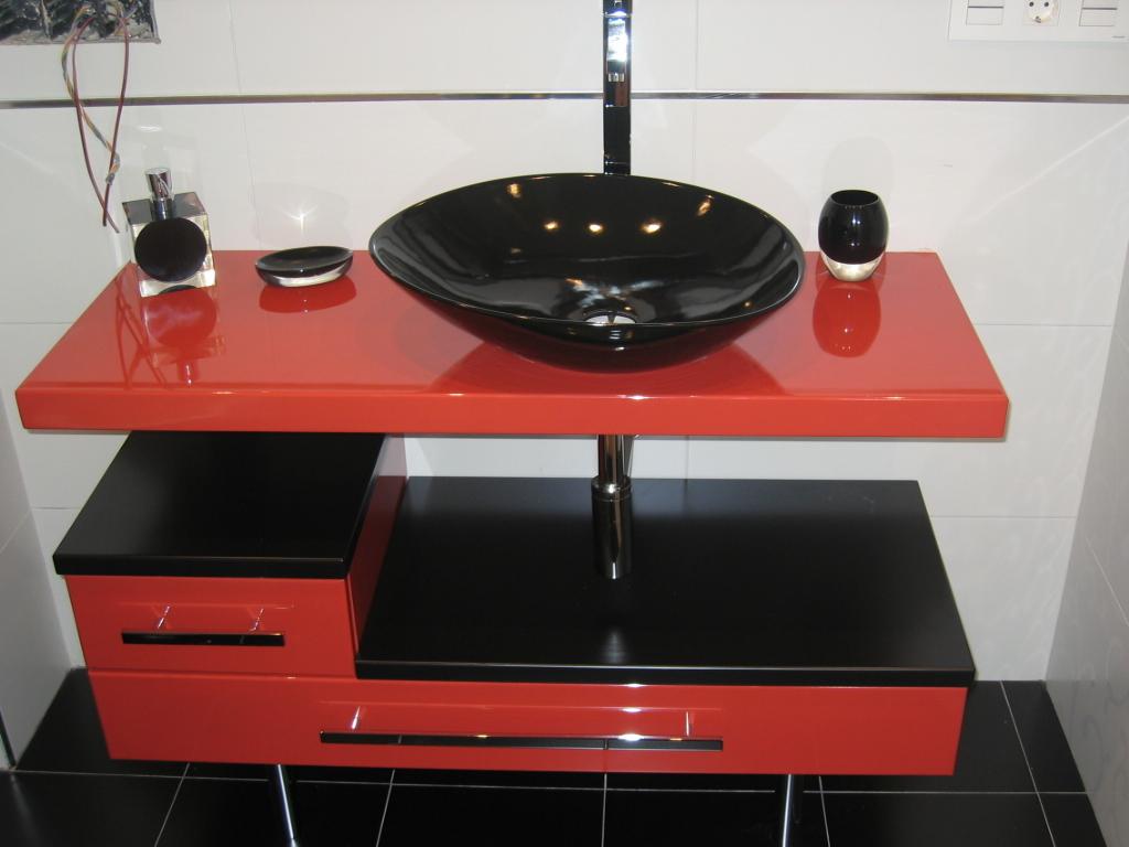 mueble baño rojo y negro