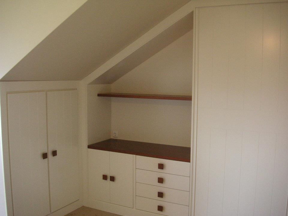 mueble bajo cubierta blanco
