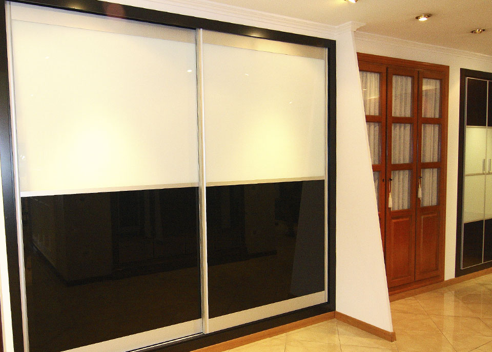 armario fuji blanco y negro