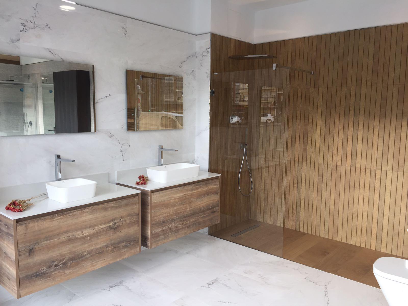 En Buk Design León Queremos Compartir Contigo Los Nuevos Baños Y Cocinas  Expuestos En Nuestra Tienda. Presentamos Unos Diseños De Baño Moderno Y  Funcional ...