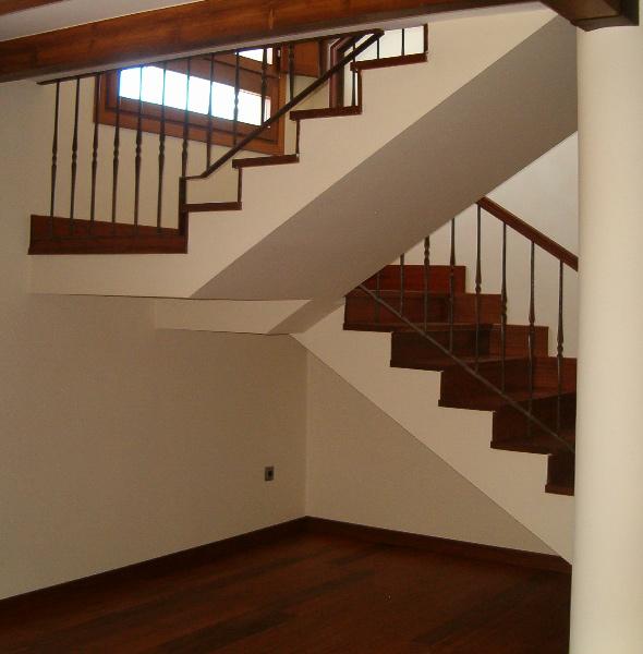 Escaleras en proyecto de reforma integral de casa