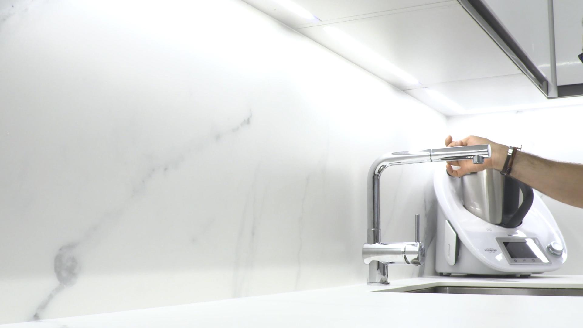 cocina-blanca-pequena-ele (14)