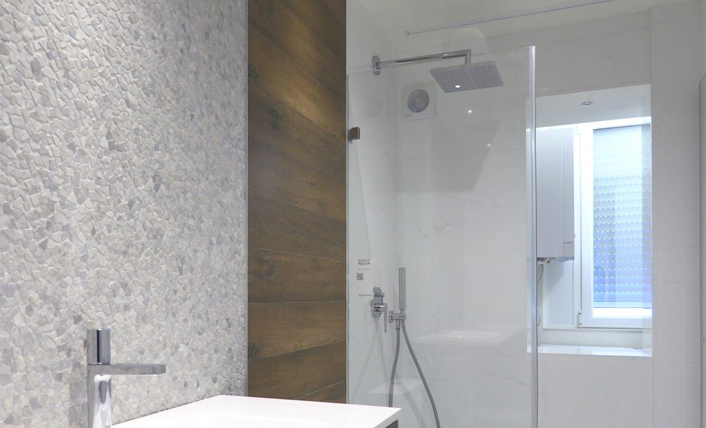 Vista de baño con los mejores materiales
